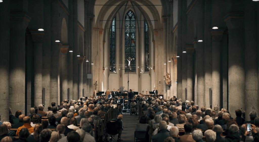 Leonard Cohen Hallelujah - Für Sopransaxophon und sinfonisches Blasorchester (Arr. Guido Rennert)
